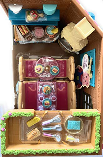 NEW! Li'l Woodzeez - PASS-THE-PASTA RESTAURANT - 45 Pcs, Detailed & Super-Cute Accessories, Real Light-Up Street Lamps