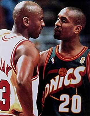 Gary Payton & Michael Jordan Photograph 8x10 Glossy Photo Supersonics Bulls