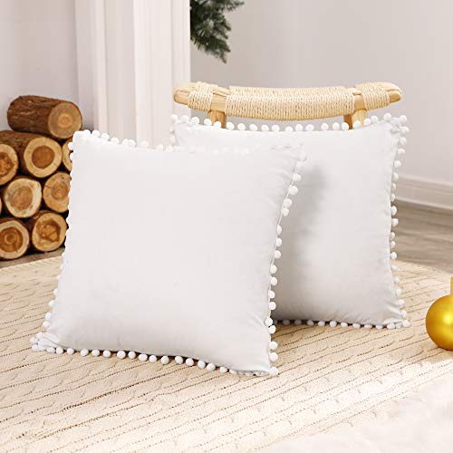 Deconovo Fundas para Cojines Terciopelo Decorativas de Almohadas con Pelota para Hogar Sofás Dormitorio Pack de 2 45 x 45 cm Blanco