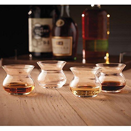 Neat glas gedistilleerde drank, glas, 8 cm
