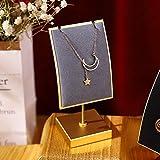 GemeShou Soporte de metal dorado para collar de terciopelo gris, soporte para exhibición de collar largo para colgar collares al por menor, caballete de exhibición de joyería de metal gris