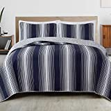 Great Bay Home 3-Piece Reversible Quilt Set with Shams. All-Season Bedspread with Ombre Striped Pattern. Everette Collection (Full/Queen, Navy)