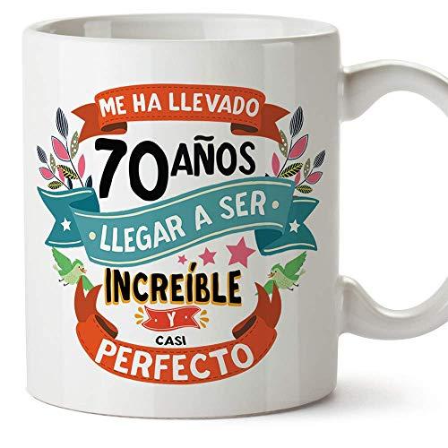 """MUGFFINS Taza 70 Cumpleaños -""""Me ha llevado 70 años llegar a ser increíble y casi perfecto - Regalos Desayuno Feliz Cumpleaños"""