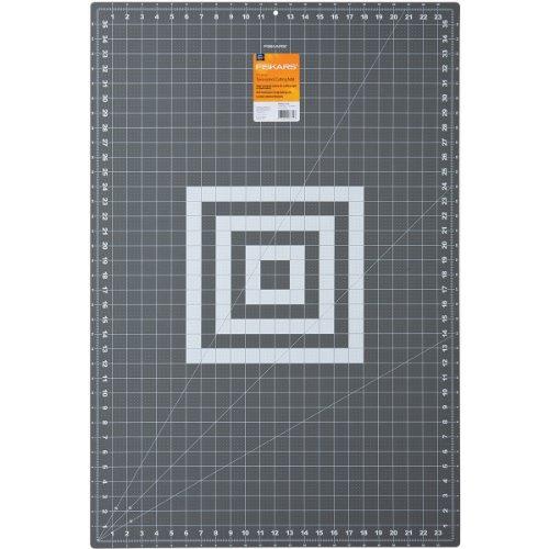 Fiskars 12-83727097J Self Healing Rotary Cutting Mat, 24x36 Inch,Grey
