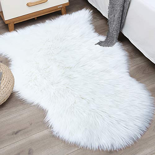 Noahas 2ft x 3ft Faux Fur Sheepskin Rugs Luxury Fluffy Rug for Bedroom Sofa Chair Cover Fuzzy Throw Home Decor Small Shaggy Carpet, White