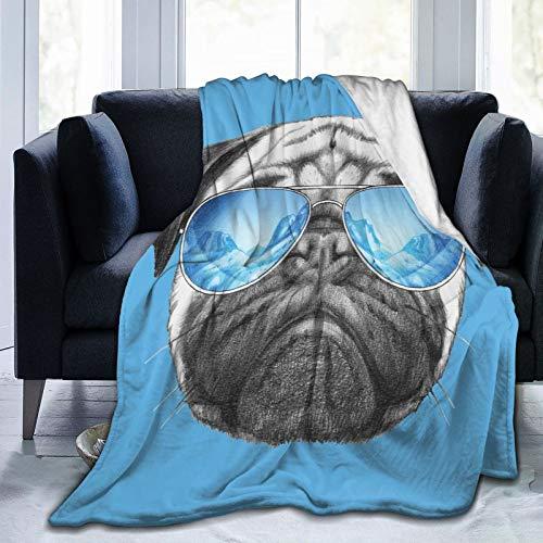 Manta mullida, retrato de carlino con espejo, ilustración dibujada a mano de animal de mascota, divertida manta de bebé, ultra suave, manta para dormitorio, cama, TV, manta de cama de 80 x 60 pulgadas