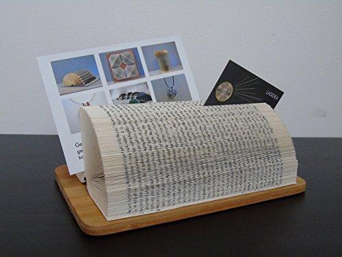 Visitenkartenhalter aus handgefaltetem Buch auf Bambusplatte//Geburtstagsgeschenk für Ihn//Upcycling altes Buch//