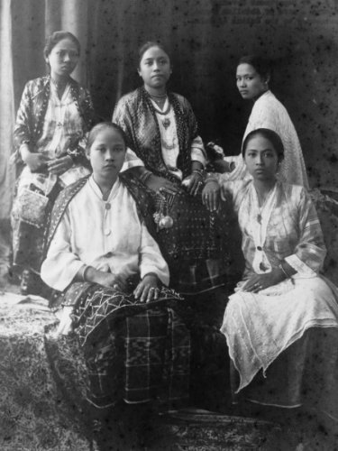 Historic Photos 1900s Photo Five Filipino Women, Seated, Wearing Traditional Costume Five Fil g6
