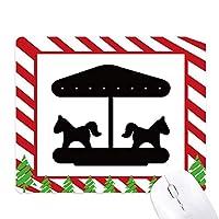 黒い回転木馬の遊園地のシルエット ゴムクリスマスキャンディマウスパッド