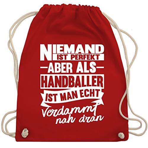 Shirtracer Handball - Niemand ist perfekt aber als Handballer ist man echt verdammt nah dran - Unisize - Rot - handball vranjes - WM110 - Turnbeutel und Stoffbeutel aus Baumwolle