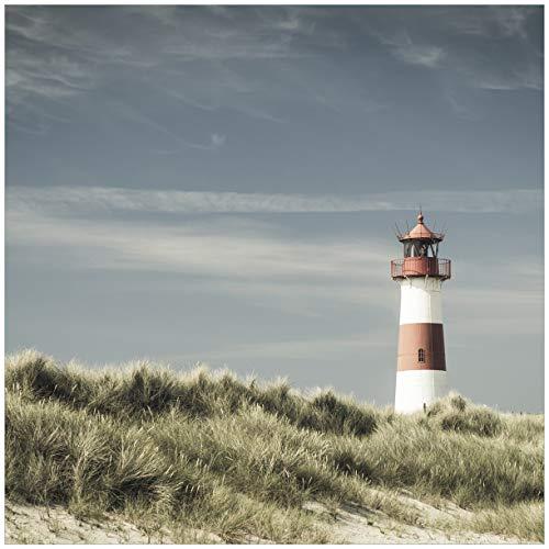 Wallario Acrylglasbild Leuchtturm auf der Düne am Strand - 50 x 50 cm in Premium-Qualität: Brillante Farben, freischwebende Optik