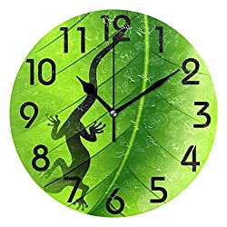 Naanle 3D Stylish Lizard Gecko Shape on Green Leaf Print Round Wall Clock, 9.5 Inch Battery Operated Quartz Analog Quiet Desk Clock for Home,Office,School