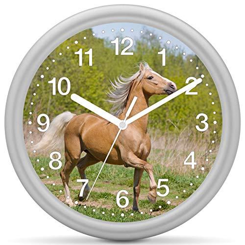 Eurotime Quarzwanduhr, 25 cm, Kunststoffgehäuse Silber, Kunststoffglas, klares 12-Zahlen Zifferblatt mit Pferdemotiv, geräuscharmes Uhrwerk, kein Ticken, Wanduhr für Kinderzimmer, 82205-07