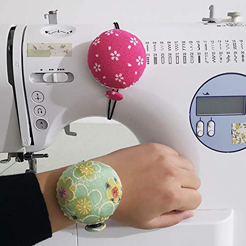 Chris.W 2Pcs Wrist Pin Cushions Sewing Machine Pins Holder Floral Pumpkin Wrist Band Pin Cushions Wearable Needle Pincushions for Sewing Machine(Random Color)
