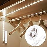 Blusea Striscia Luminosa LED 1m 30 LED Flessibile, Luce Notte LED Guardaroba con Sensore di Movimento, Batteria Caricata per Armadio,Scale, Corridoio, Cucina, Garage etc-Auto/On/off (Luce Fredda)