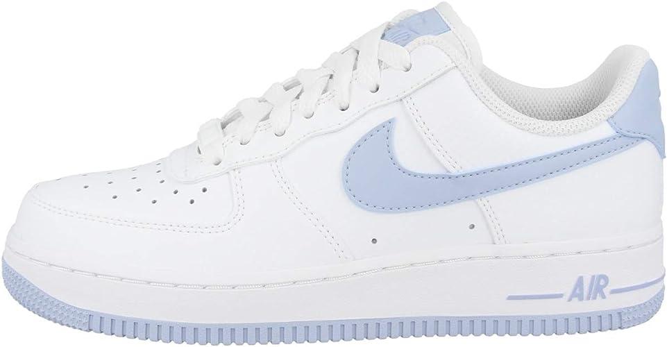 Nike WMNS Air Force 1 '07, Chaussures de Basketball Femme : Amazon ...