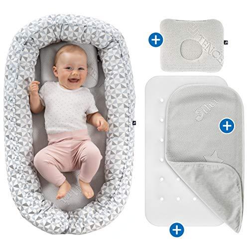 Alvi Babynest Kuschelnest - Babynestchen Set mit Matratze, atmungsaktiver Auflage (TENCEL®) und Baby Kissen gegen Kopfverformung, ÖkoTex geprüft - Bezug aus 100% Baumwolle - Weiß Grau