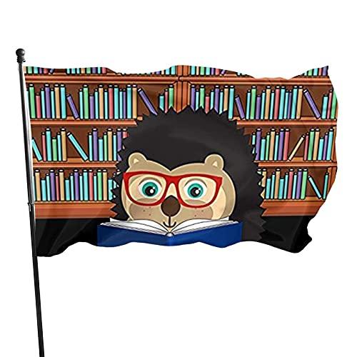 GOSMAO Bandera de jardín Lindo Libro de Erizo Nerd Color Vivo y Resistente a la decoloración UV Banner de Patio de Doble Costura Bandera de Temporada Banderas de Pared 150X90cm