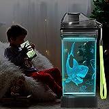 Lightzz Botella de agua para niños con luz LED de tiburón brillante 3D - 14 oz Tritan sin BPA - Taza de viaje ideal creativa Regalo de mandíbula para la escuela Kid Boy Child Holiday Camping Picnic