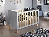 Babybett (Weiß-Kiefer) Gitterbett 120 x 60 cm + Schaumstoffmatratze + Hölzerne Sicherheitsbarriere