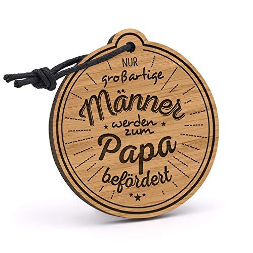Fashionalarm Schlüsselanhänger Nur großartige Männer Werden zum Papa befördert aus Holz mit Gravur   Geburtstag Geschenk-Idee Väter zur Geburt, Eiche