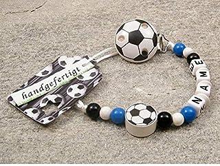 kleinerStorch kleinerStorch Baby SCHNULLERKETTE mit Namen - Motiv Fussball in Vereinsfarben - schwarz, weiß, blau