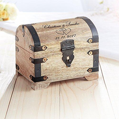 Casa Vivente – Geld-Schatztruhe mit Gravur zur Hochzeit – Motiv: Herzen – Personalisiert mit [Namen] und [Datum] – Schmuckkästchen aus hellem Holz – Verpackung für Geldgeschenke – Hochzeitsgeschenke - 3