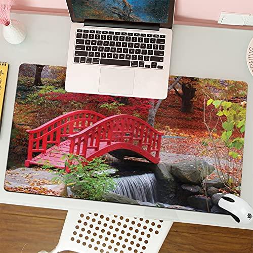 Gaming Keyboard Mouse Pad da Gioco Il giardino asiatico giapponese con la quercia ha colorato la piccola natura sveglia del ponte a novembre ottobre Fall View adatta per computer desktop notebook