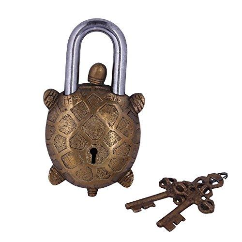 Purpledip, lucchetto a forma di tartaruga, stile anticato, realizzato a mano in ottone, con blocco di sicurezza, portafortuna nello Feng Shui e nella filosofia Vaastu, 10278