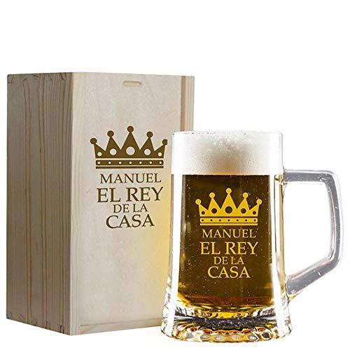 Calledelregalo Regalo Personalizado: Jarra de Cerveza 'El Rey de la casa' grabada con su Nombre en Estuche de Madera también Grabado