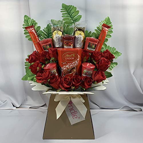 The-Yankee-Candle-and-Red-Rose-Bouquet