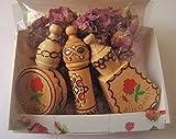 Coffret cadeau Huile de rose bulgare avec 3 fioles souvenirs en bois + fleurs de rose...
