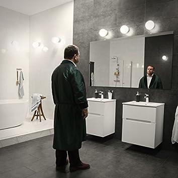 La donna è mobile (Bathroom Edition)