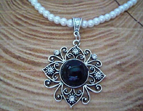 weiße Perlenkette/Dirndlkette, Blumenanhänger