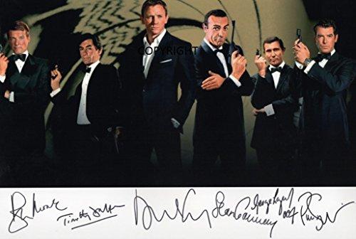 Limitierte Ausgabe: Fotografie signiert von James Bond-Darstellern. Zertifizierter Autogramm-Druck