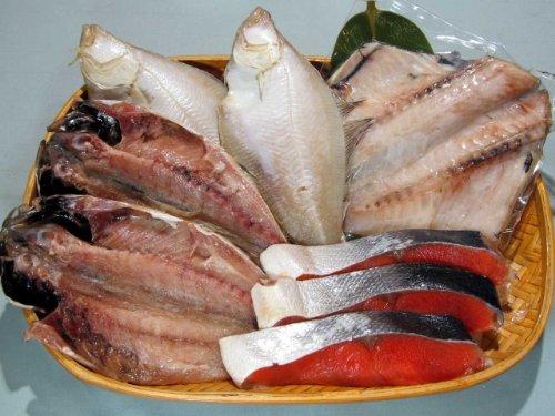 〔厳選〕塩紅鮭と特選干物3種のセット