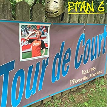 Tour De Court