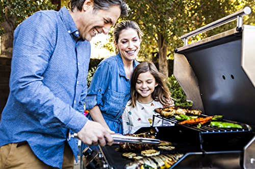 Char-Broil Performance Series T47G - 4 Burner Gas Barbecue Grill, Black Finish.