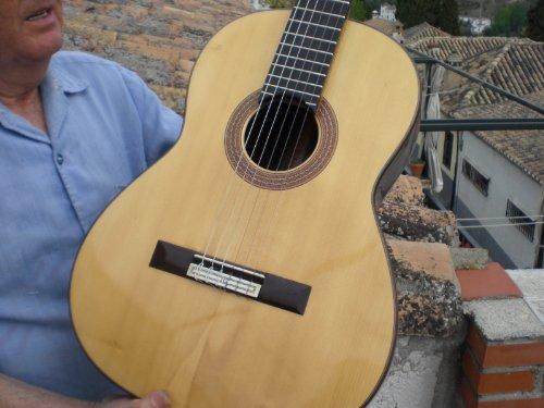 Gitarre Modell Millennium Indien German Perez Barranco. Handgefertigt in Granada