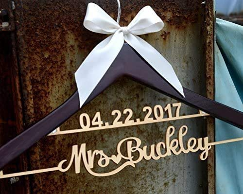 Wedding Hangerss Personalized Date and Name,Rustic Wood Wedding Dress Hanger, Bridemaid Dressing Hanger, Bridal Gift