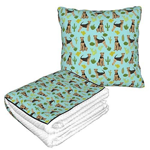 Manta de almohada de terciopelo suave 2 en 1 con bolsa suave Airedale Terrier Cactus Dog Breed Funda de almohada azul para casa, avión, coche, viajes, películas