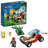 LEGO 60247 City Incendio en el Bosque, Coche de Bomberos de Juguete con Mini Figura de Bombero, Regalo para Niñas y Niños +5 Años