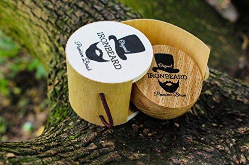 Bartbürste aus Eichenholz mit Wildschweinborsten mit Gratis Ebook Abbildung 3