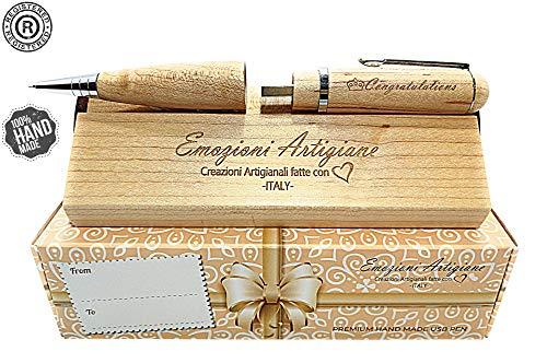 Penna Regalo Originale in Legno Multifunzione USB 32Gb, Regalo per: Laurea, Compleanno, Anniversario. Incisione a Mano 'Congratulations'. Raffinata Scatola Regalo con Incisione. Prodotto Artigianale.