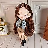 HYZM Blythe Doll 1/6, 19 Joints Blythe Muñeca + Maquillaje Cara + Ropa + Ojos de 4 Colores + 9 Pares de Manos, Pelo Largo y Rizado Rojo-marrón