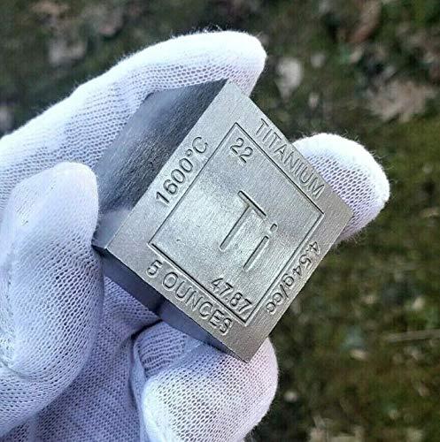 Lingote/pisapapeles de titanio de 5 onzas (aprox. 155 gramos) con forma de cubo, con diseño y datos grabados del elemento químico