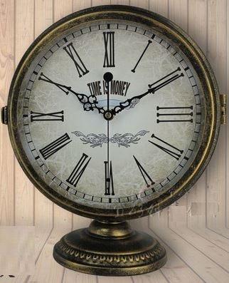 【ノーブランド品】 ヨーロピアン スタイル アンティークゴールド × ローマ数字 両面 置時計 (Aタイプ)の写真
