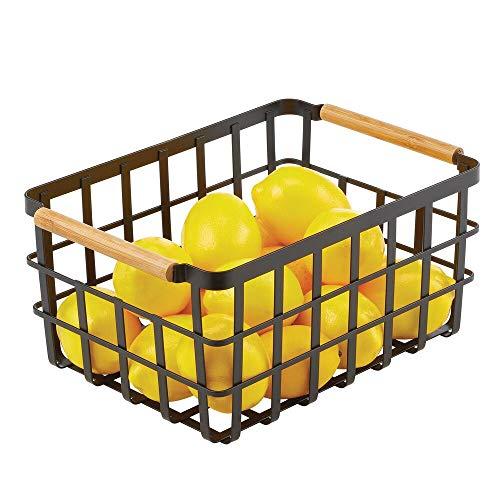 mDesign Caja multiusos de metal – Caja organizadora multifunción para cocina, despensa, etc. – Cesta de almacenaje de alambre, compacta y universal con asas de bambú – negro mate