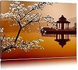 Kirschbaum an Japanischem See Format: 80x60 auf Leinwand,