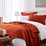 SunStyle Home Quilt Set Queen Rust Lightweight Bedspread Soft Reversible Coverlet for All Season 3pcs Burnt Orange Square Quilted Quilted Bedding Sets (1 Quilt 2 Pillow Shams)(90'x96')